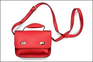 bolso rojo formato horizontal