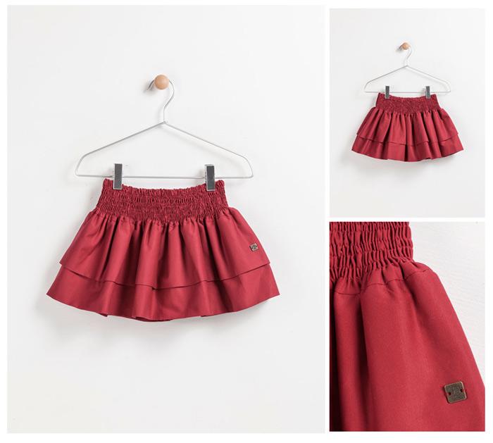 Falda textil en percha Trasluz